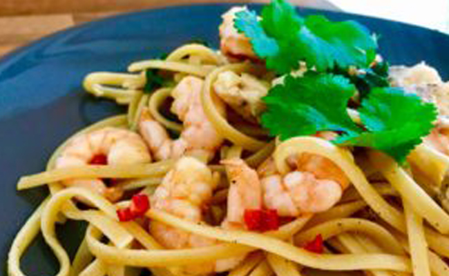 prawn-and-chicken-thai-style-linguine-01