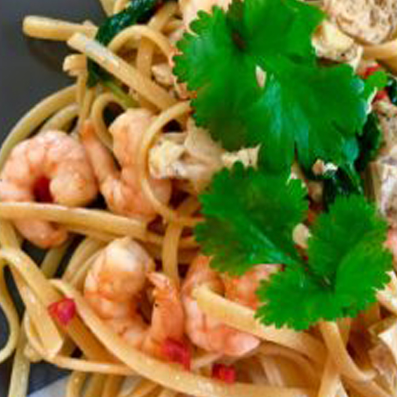 prawn-and-chicken-thai-style-linguine-02