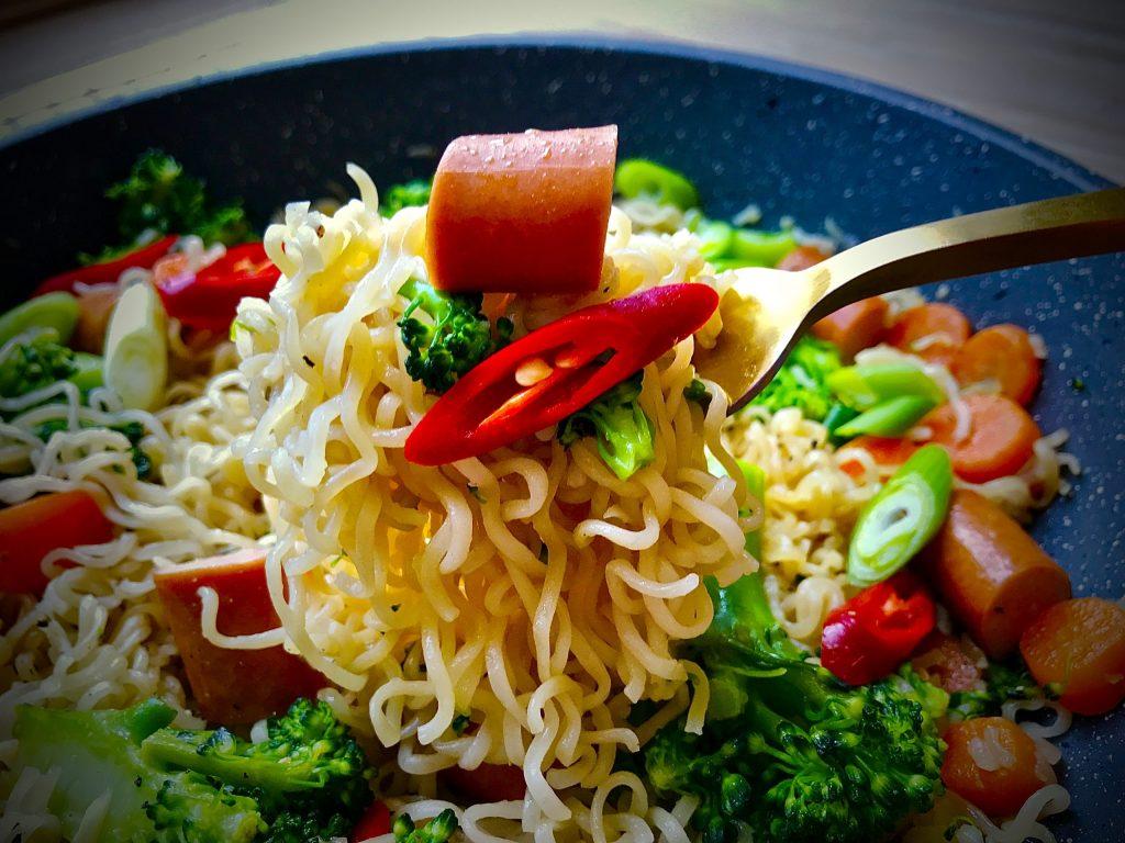 Instant Noodles Stir-Fried with Bockwurst