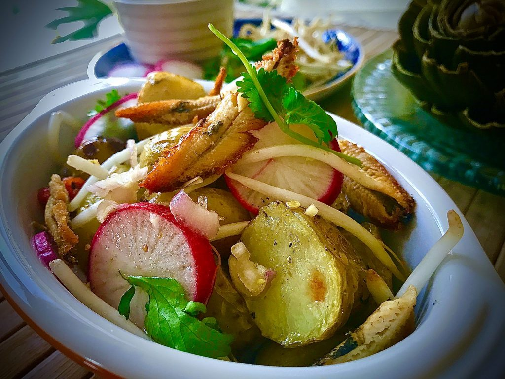 ANCHOVY AND POTATO SPICY SALAD
